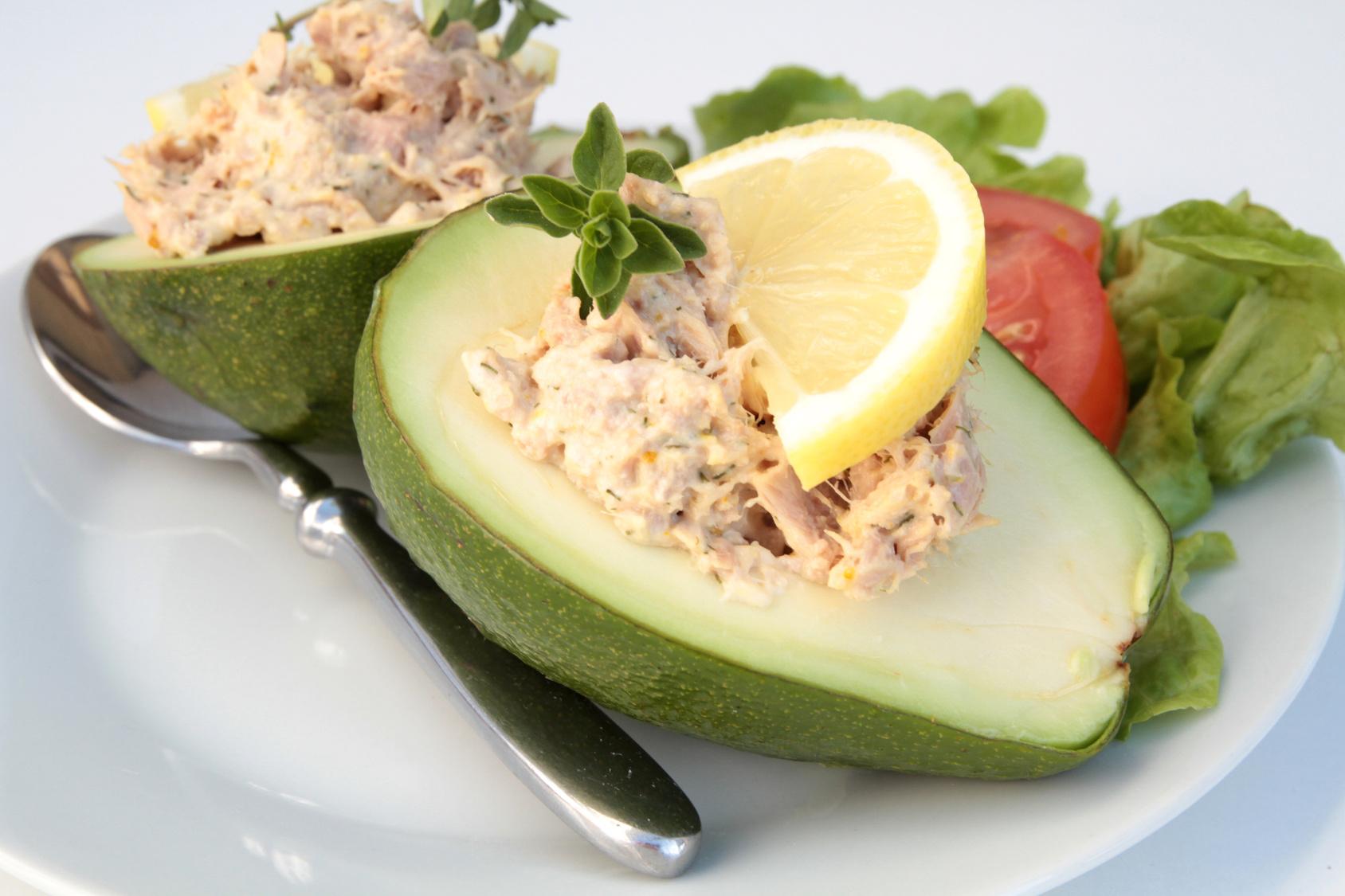 Ricetta avocado carciofi e tonno
